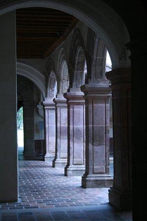 Museo Antiguo Convento Franciscano De Santa Ana de Tzintzuntzan