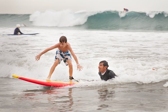Todos Santos, Mexique : as trained lifeguards and professional surfers we give you the best experience!