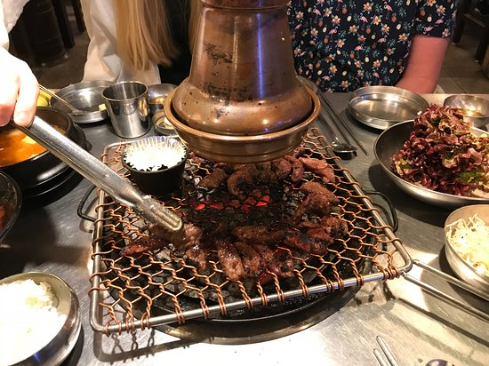 choigozip Hongdae: Charcoal barbecue - HOT