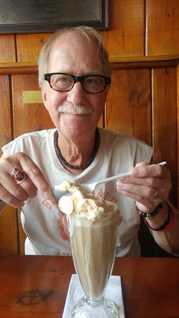 Wolfeboro, NH: Old style Rootbeer float! My Billy was a happy boy!