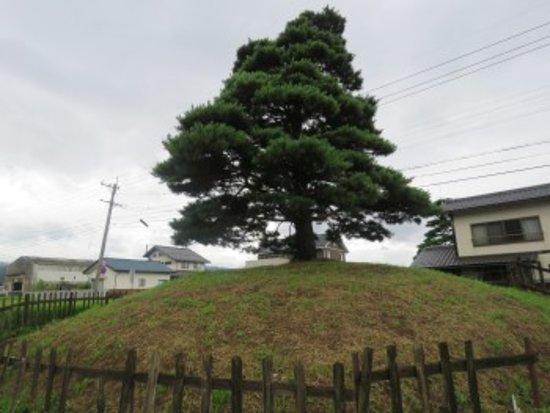 Shiojiri, Япония: 立派な塚でした