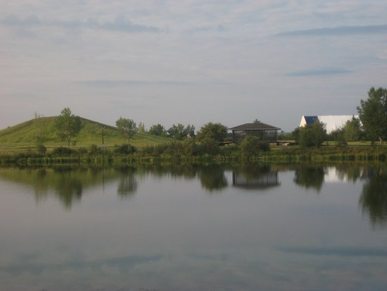 Stettler, Canada: View of the pond (Shuckburgh Slough) behind the Ramada
