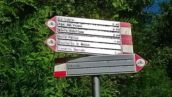 Albavilla, Italië: segnaletica dei sentieri