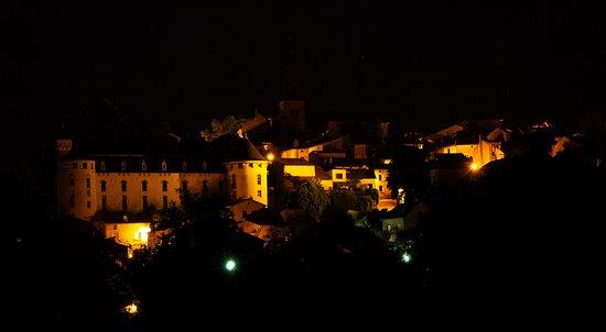 Nachtzicht op Liverdun vanaf de camping