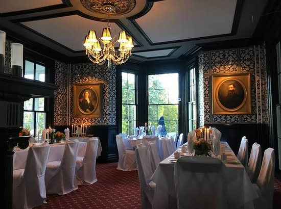 Inn At Taughannock: The Jones Room- A private dining room