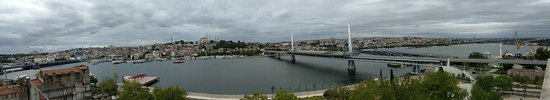Istanbul Golden City Hotel: Panoramic view of golden horn from hotel rooftop