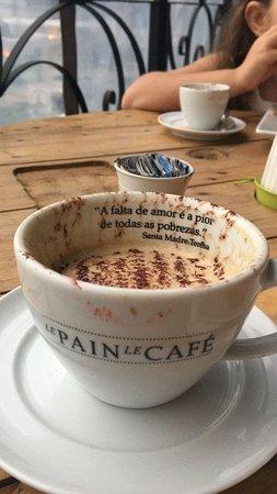 Le Pain Le Cafe: cappuccino