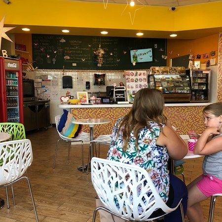 Forsyth, إلينوي: Korean Food and Yogurt