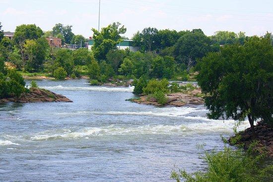 Columbus Riverwalk : river