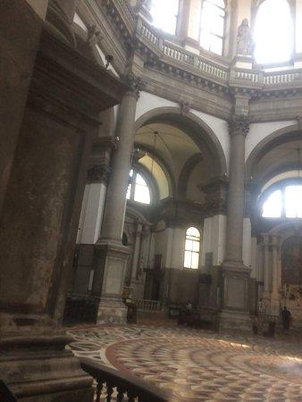 Basilica di Santa Maria della Salute: Hermosa basilica