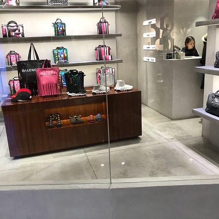 Greenbelt Mall: photo1.jpg