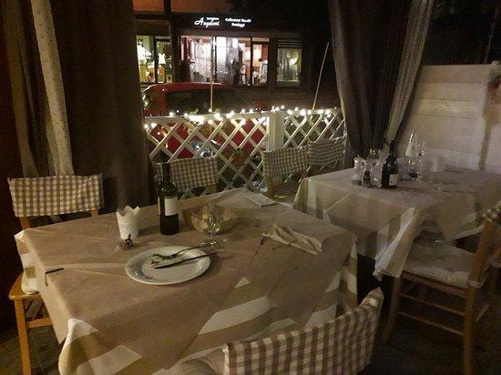 Novafeltria, Italie : Il nostro  giardino e il menù di Ferragosto
