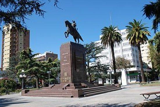 Junín, الأرجنتين: Monumento al Gral San Martin