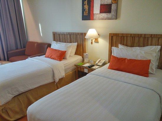 Dumai, Indonesien: Twin room