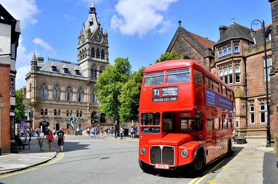 Sightseeing Chester heritage bus tour
