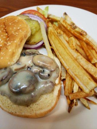 Dubois, ID: Mushroom swiss burger