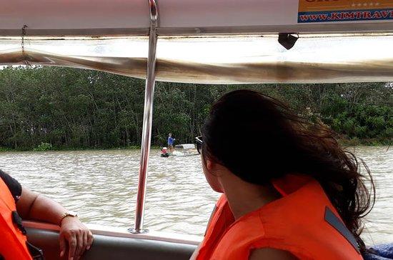 Cuchi tunneler båt og minivan