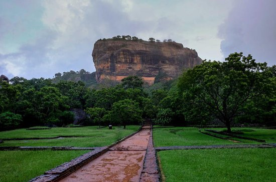 3 Day Privet Tour to kandy & sigiriya