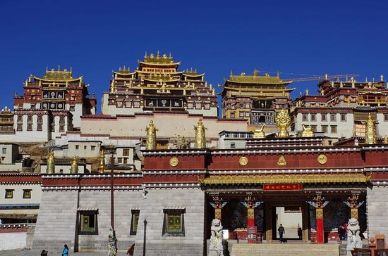 1-Day Shangri-La Monastery and Lake ...