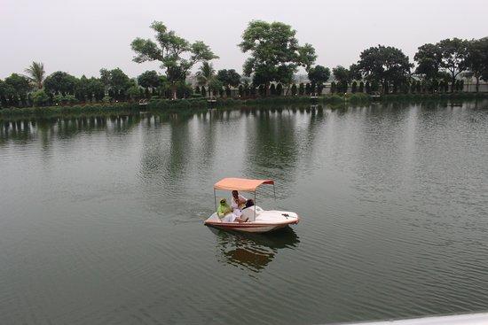 Savar, Бангладеш: Lake
