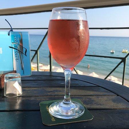 Great bar, overlooking the beach
