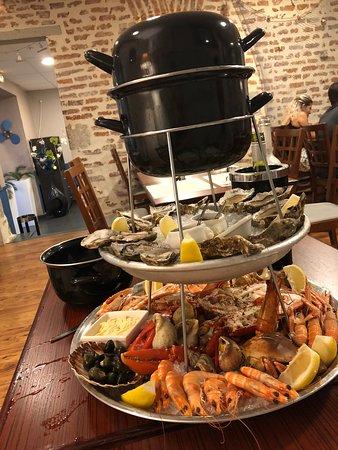 restaurant blue marine dans villeneuve sur lot avec cuisine fruits de mer poisson. Black Bedroom Furniture Sets. Home Design Ideas