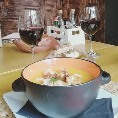 Stunning food, great wine