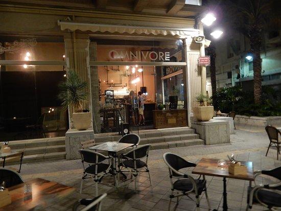 Omnivore Gastrobar Haifa: The Street View