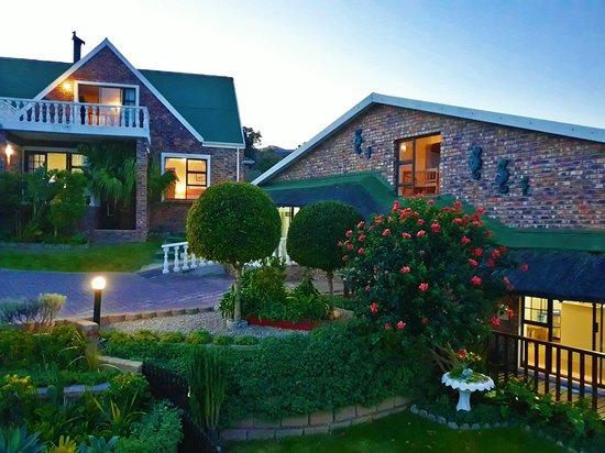 Dana Bay, Νότια Αφρική: Villa Chante at night