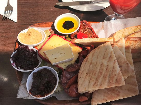 Mosgiel, Nuova Zelanda: Antipasto platter...brunch the next day!