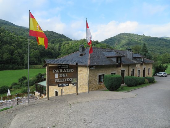 Herrerias, Spanje: View from the road.