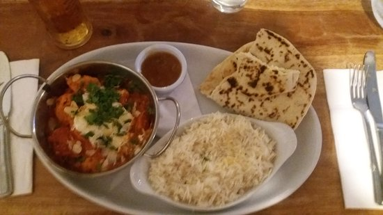 Lustleigh, UK: butter chicken curry