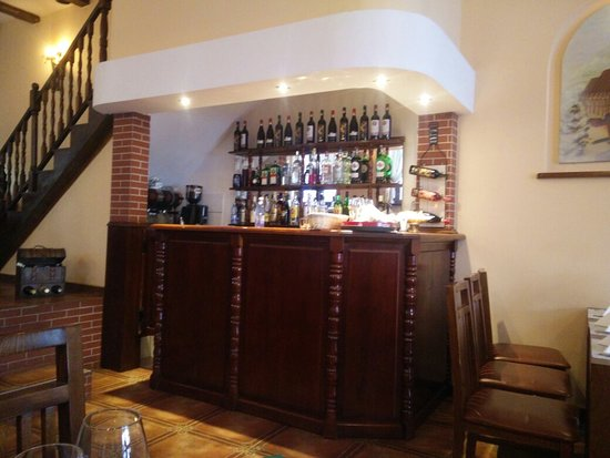 Restaurant Transilvania: Реклама хорошая,но кухня оставляет желать лучшего. Не рекомендую к посещению.