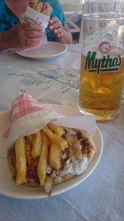 O Meraklis Taverna: Chicken Gyros