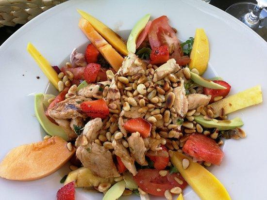 Toller Salat Mit Früchten Picture Of Cafe Jolie Am Donaumarkt