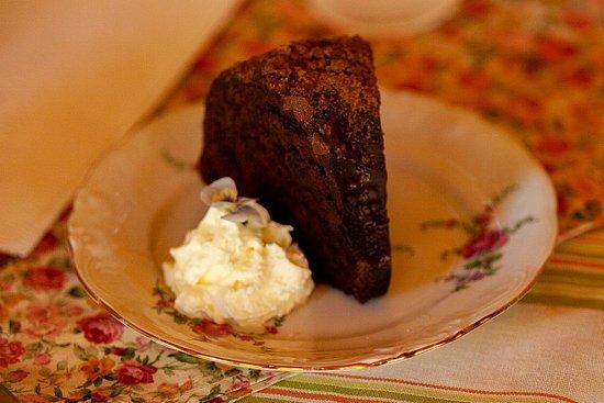Tyne Valley, كندا: Devilishly Delicious Chocolate Ganache Bundt Cake.