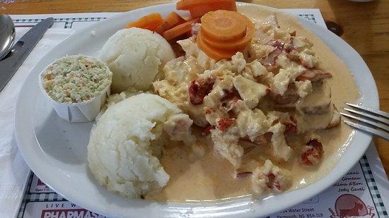 The Dinner Plate Family Restaurant: Hot lobster plate