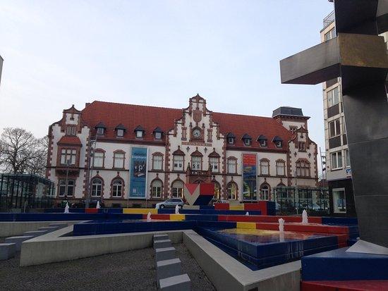 Muelheim an der Ruhr, Alemanha: Das Kunstmuseum Mülheim in der denkmalgeschützten alten Haupttpost