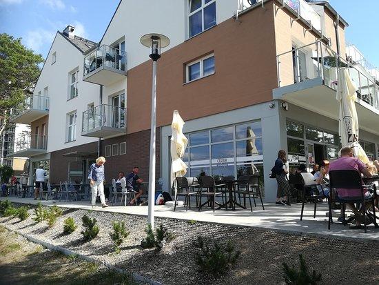 Restauracja CEZAR: Widok z ulicy