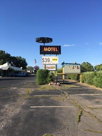 Sundowner Motel, Hines, OR