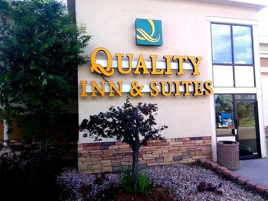 Quality Inn & Suites: West Entrance