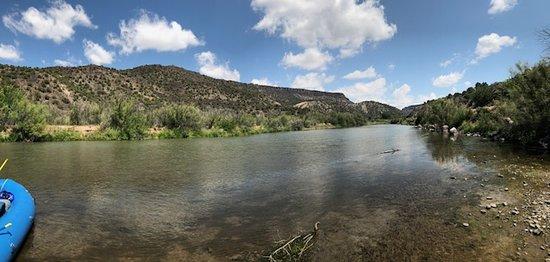 Embudo, นิวเม็กซิโก: Rafting the Río Grande, the calm float section