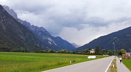 Amlach, Austria: прогулка после ужина