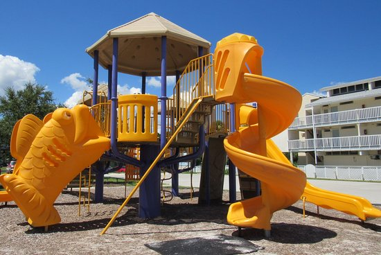 Cedar Key, FL: Lots of 'play-ground' type of equipment...in many areas.