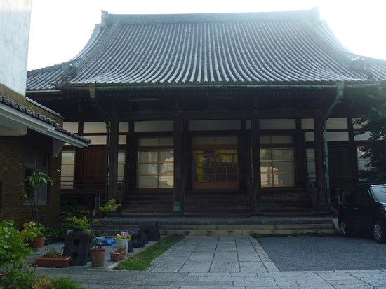 直方駅近くの寺院