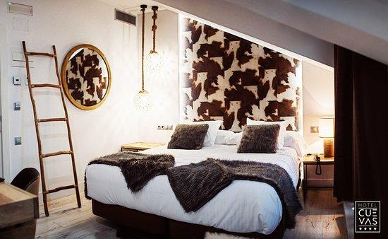 Hotel Cuevas