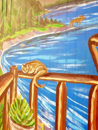 Ellsworth, ME: mean looking cat on mural