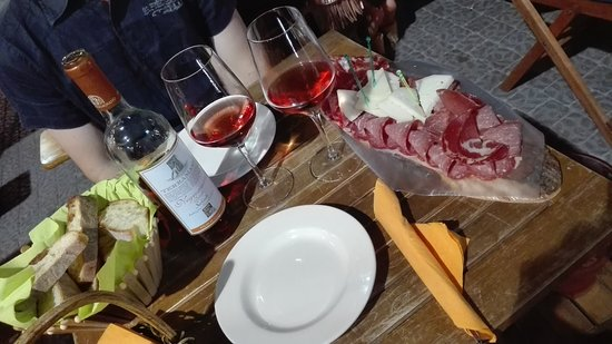 Enoteca Re Divino: Ottimo vino