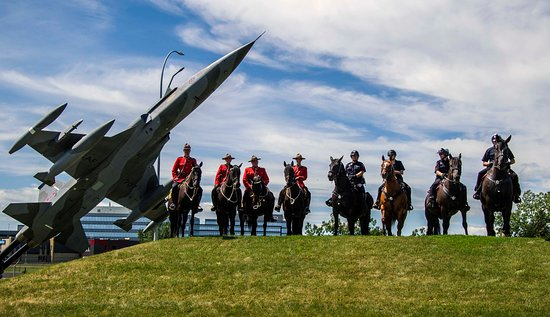 The Military Museums: Royal Canadian Mounted Police (RCMP) and Calgary Police Service Mounted Unit at War Horses 2017