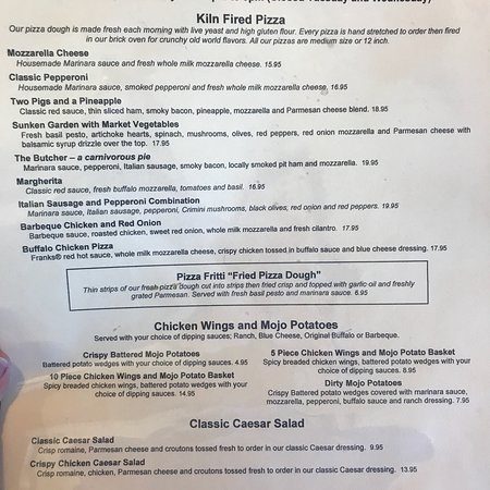 Roche Harbor, WA: What a great pizza menu!